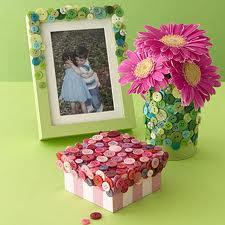 گلدان و جعبه با دکمه