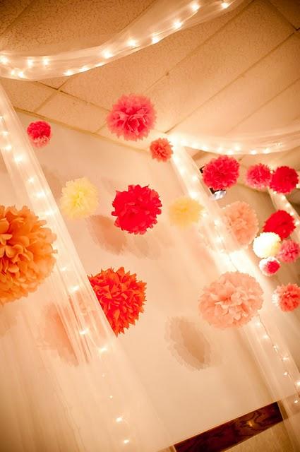 تزئین تولد به شکل گل کاغذی2