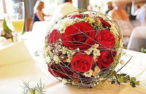 توپ گل برای دسته گل عروس
